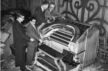 1rst Wurlitzer organ-2